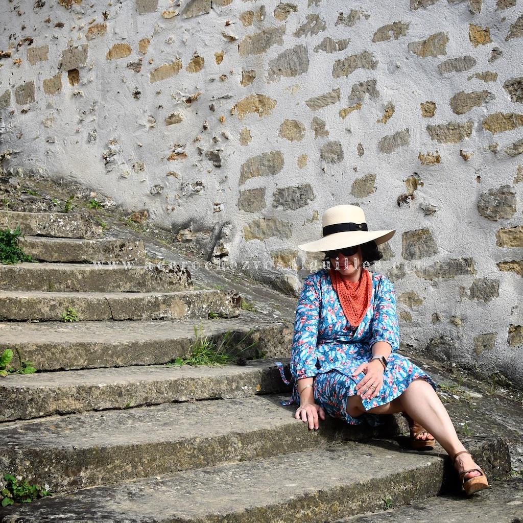 robe croisee Burda 113 09/17 escalier