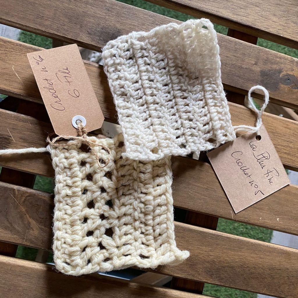 Echantillons en crochet de Accrochez vos Aiguilles en visite à l'Atelier Pure Laine